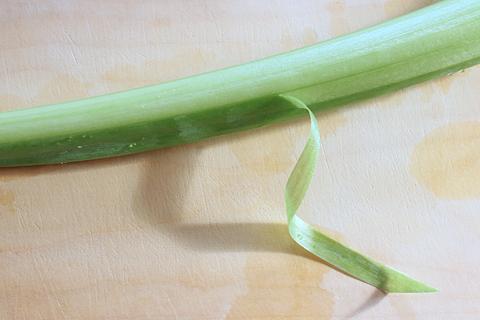 高知の食材、リュウキュウ(芋茎、ずいき)