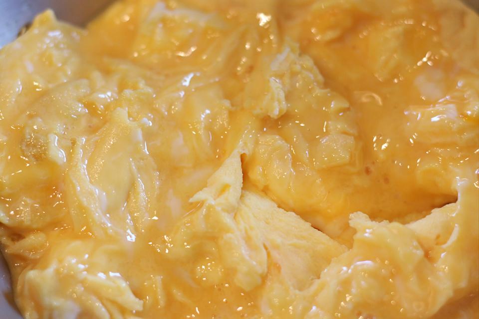 トマトと卵のふわとろ炒め(西紅柿炒蛋)