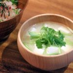 豆腐とミツバのお味噌汁