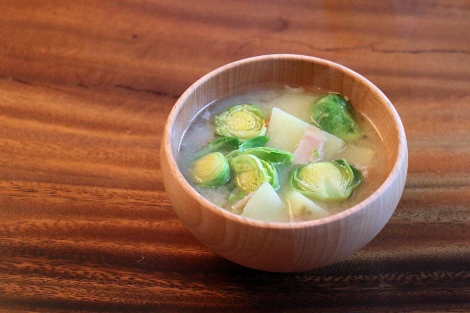 芽キャベツのお味噌汁