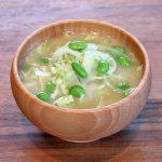 キャベツと新たまねぎ、枝豆のお味噌汁