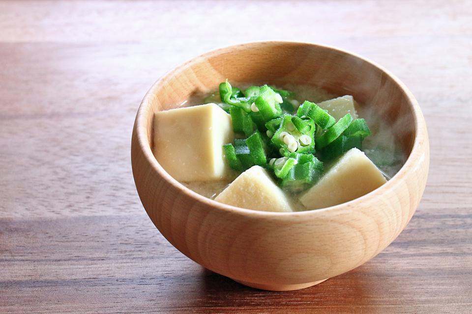 高野豆腐とオクラのお味噌汁