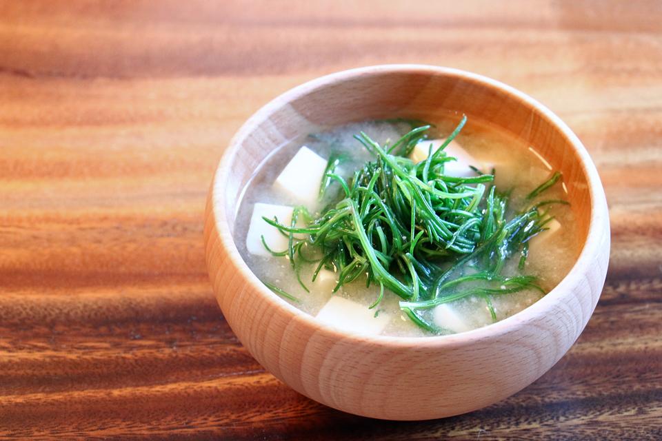 おかひじきと豆腐のお味噌汁