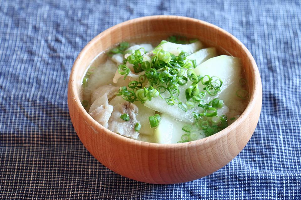 豚肉と冬瓜のお味噌汁