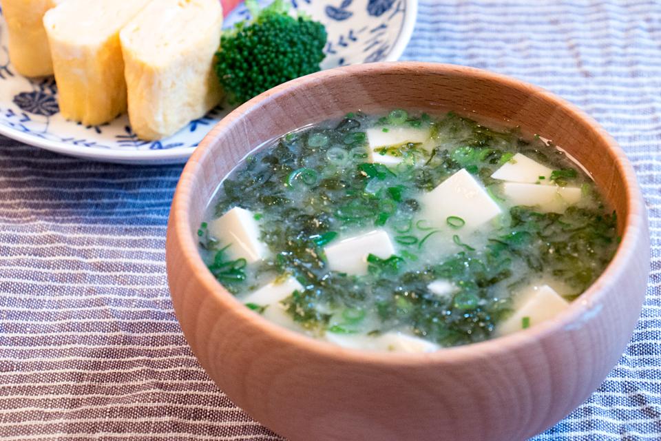 豆腐とのりのお味噌汁