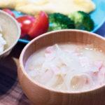 玉ねぎとベーコンのお味噌汁