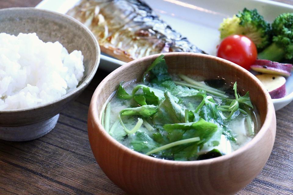 豆腐とみつばのお味噌汁