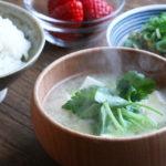 お豆腐とみつばのお味噌汁