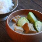 芽キャベツと厚揚げのお味噌汁