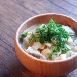 鶏皮と根菜のお味噌汁
