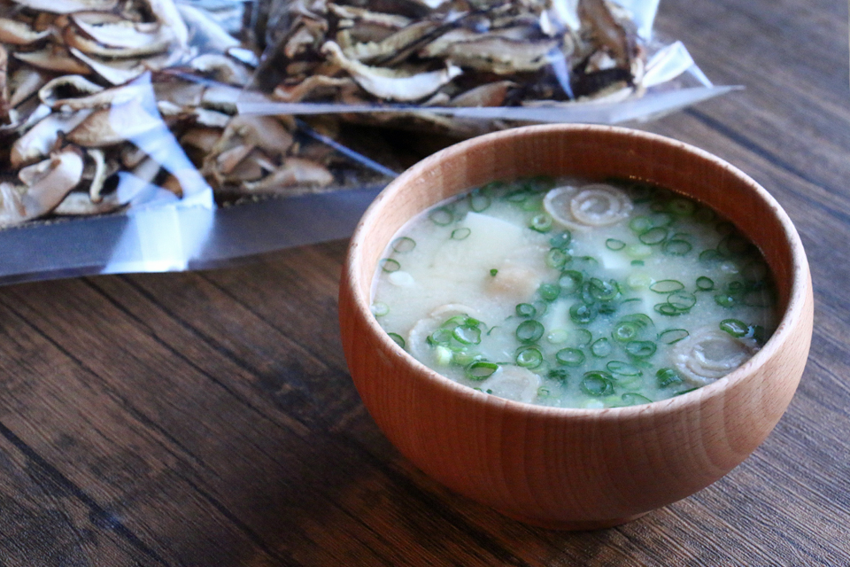 うずまき麩のお味噌汁