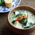 豆腐とわかめのお味噌汁