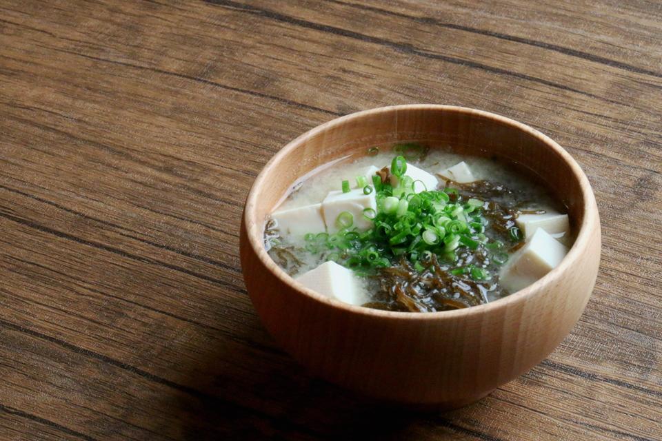 もずくと豆腐のお味噌汁