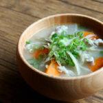 鶏肉と根菜のお味噌汁